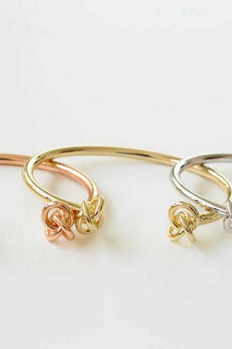 GLAZED TWO TIE KNOT BANGLE ( gold )
