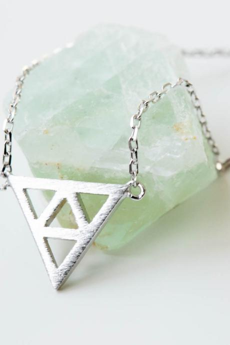 925 triforce necklace